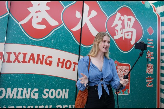 Aussie vlogger dishes up Chinese cuisine to challenge stereotypes