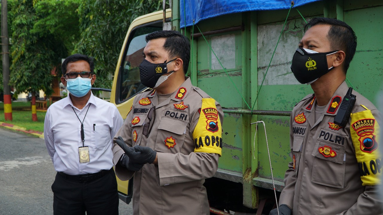 In less than 6 hours, the Truck Thief in Grobogan was successfully arrested by the Police - POLRI PRIVATE VISION