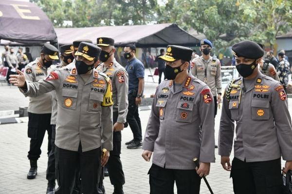 Kapolri Review Implementation of Phase II Covid-19 Vaccination 36,292 West Java Police Personnel