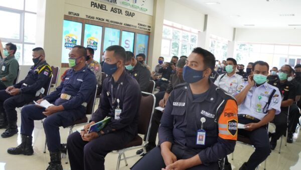 Polres Gresik Holds FGD with Security Guard - Journal of Security