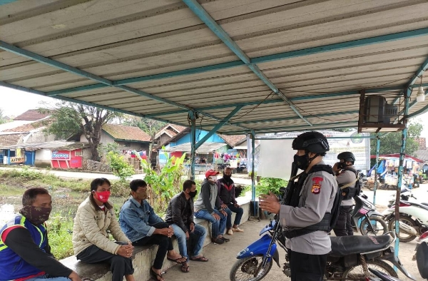 Support the Success of Government Programs, West Java Brimob Personnel Getol Dialogical Patrols