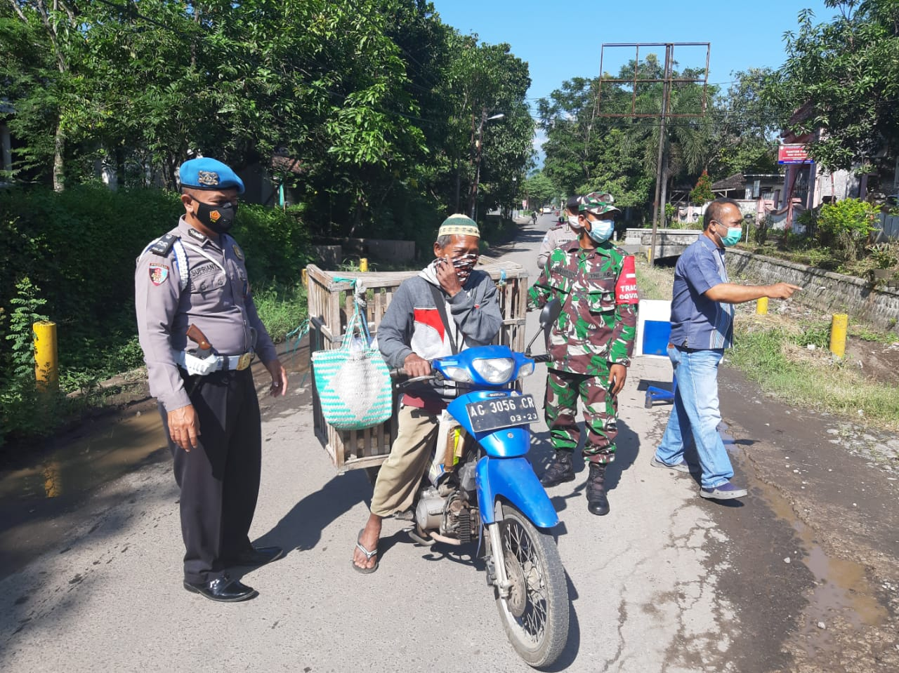 Together with the TNI and Satpol PP, Mojoroto Police Holds Operation Yustisi - POLRI PRIVATE DIVISION