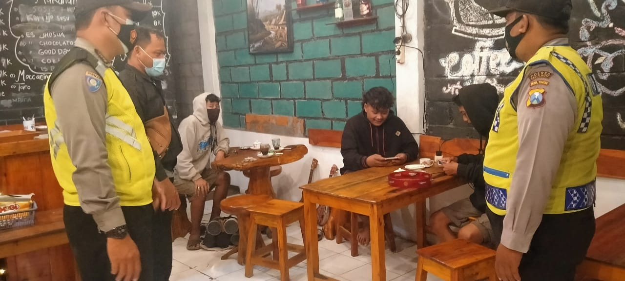 Unmasked, Dozens of Residents Netted by Operation Yustisi - POLRI PRIVACY DIVISION